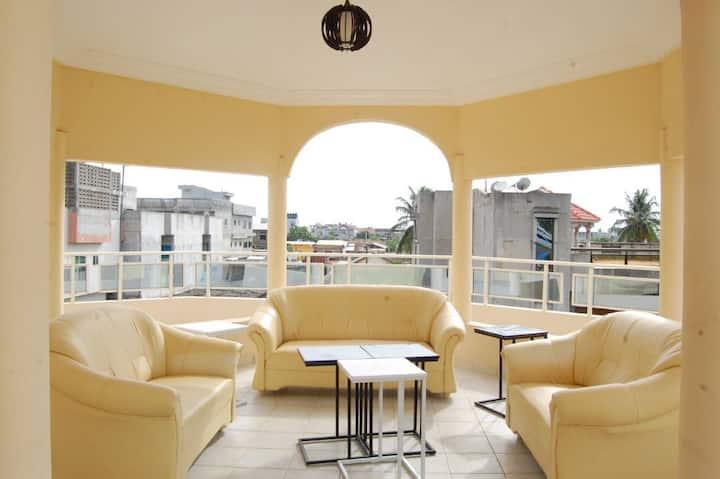 Appartement F3 meublé, climatisé avec Paillote