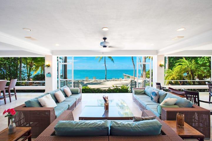Cos Kai: Beautiful Sandy Beach w/ an Oceanfront Screened Veranda