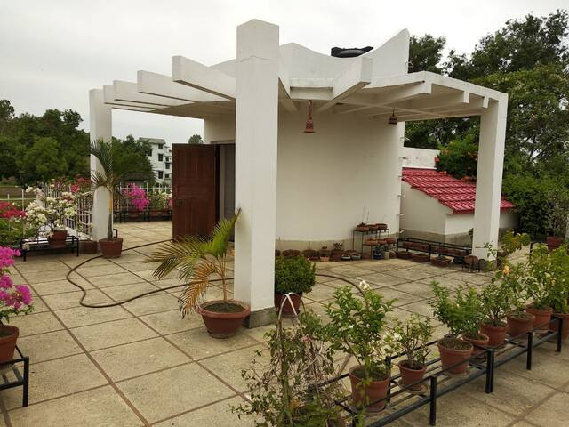 Best Bunglaow in Shantiniketan with beautiful room
