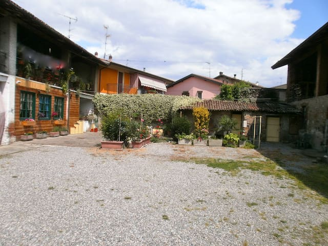 CASCINALE IN FRANCIACORTA - Costa-barco - Apartment