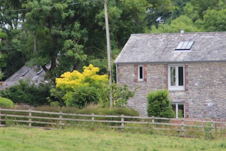 Cider Barn - Idyllic All-Seasons Holiday Cottage