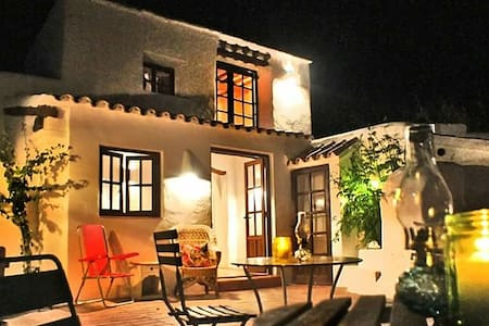 Cana Lulu authentic finca in can tomas - Sant Antoni de Portmany - Bed & Breakfast
