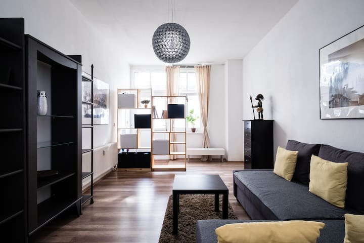 Big 2 Room Flat +sep. Kitchen +Bath - Berlin - Apartemen