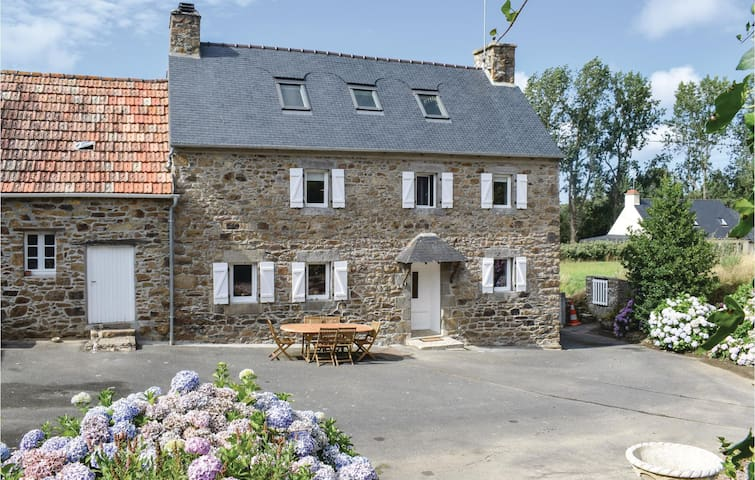 Holiday cottage with 3 bedrooms on 130m² in Trezeny