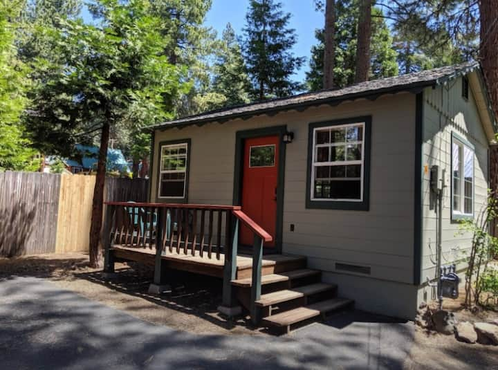 Cozy Tahoe - great location! Walk to the beach.