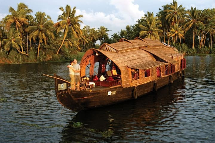 Alleppy BackWaters by TouringKerala