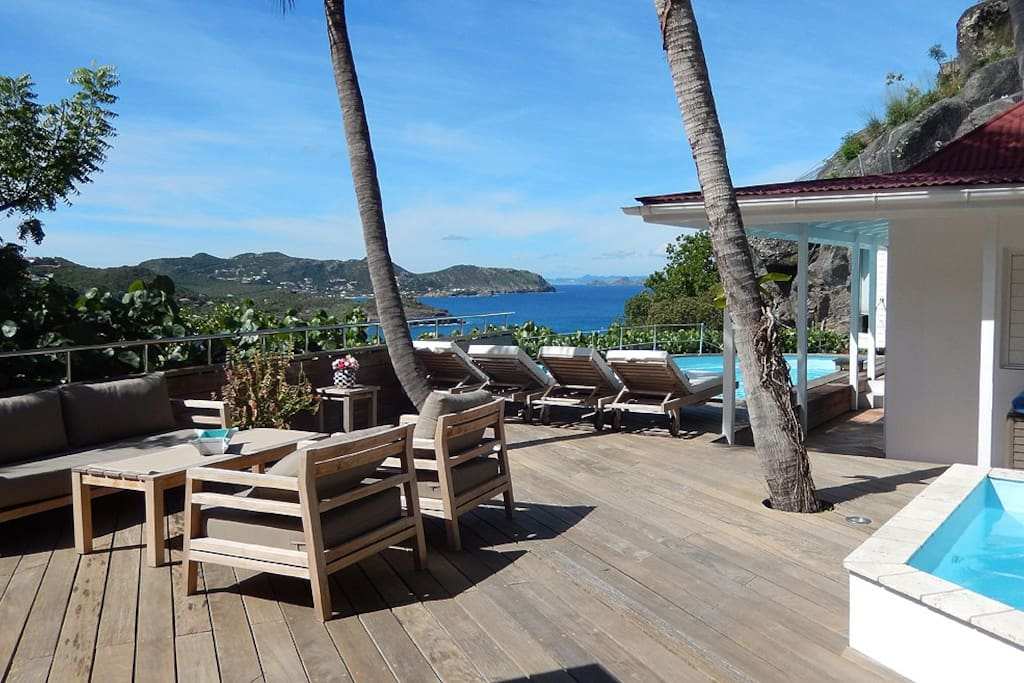 Villa lorient 2 piscines vue mer panoramique villas for Piscine lorient moustoir