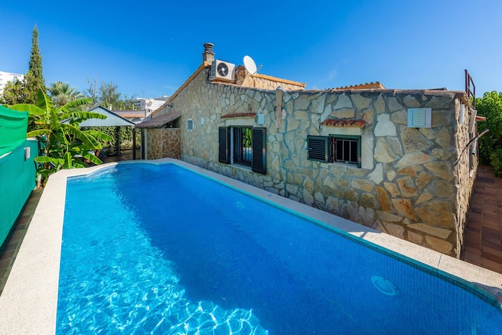Holiday Home 'Casa Paqui Alcudia' with Wi-Fi, Garden, Terraces & Pool; Parking Available