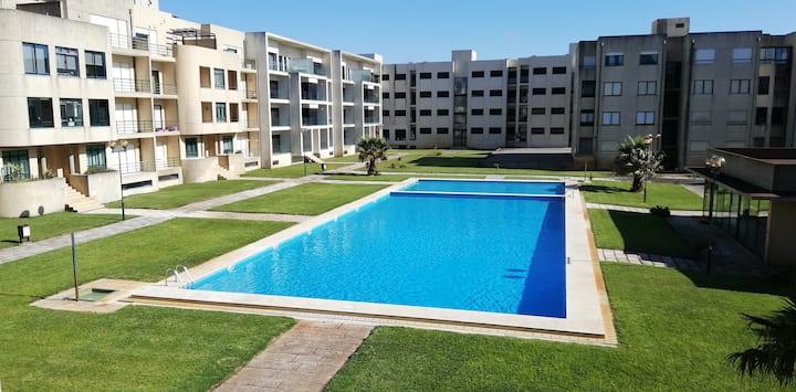 Apartamento com piscina-Apúlia Mar