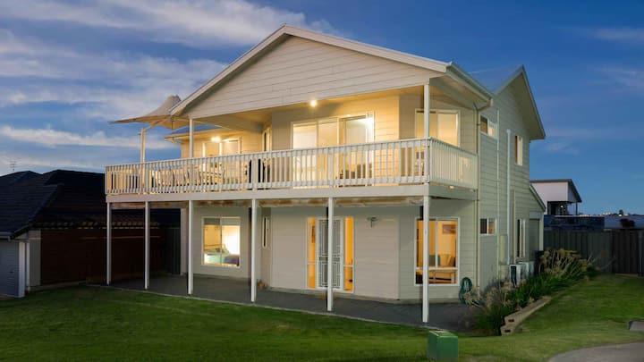 Rocks Beach House Victor Harbor -sleeps 10 - wifi