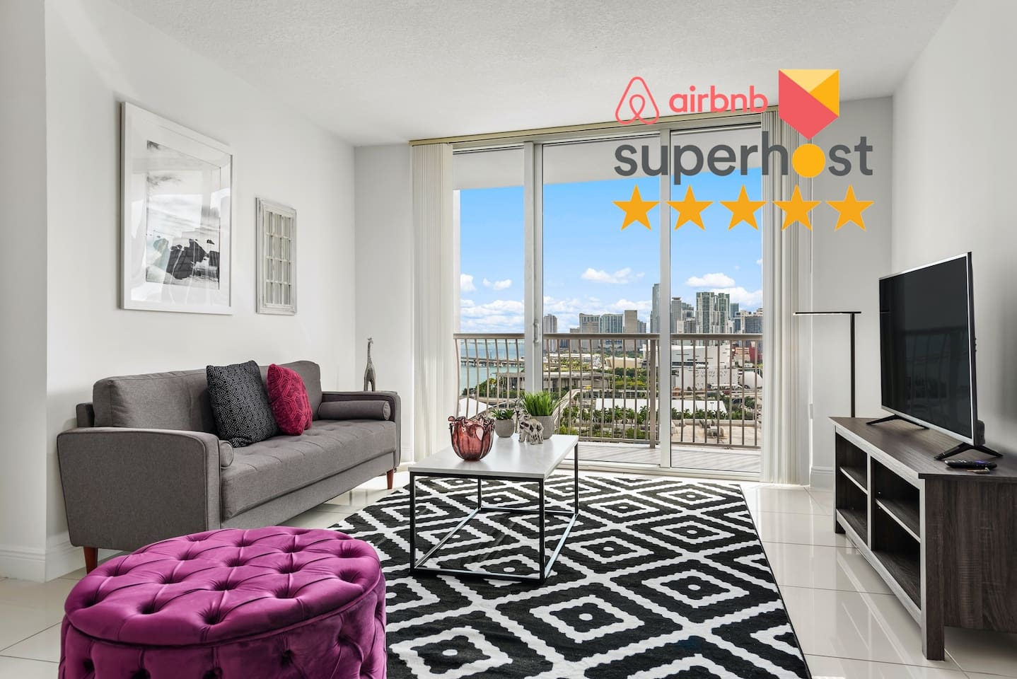 Newly decorated, bright unit at the heart of the Miami!