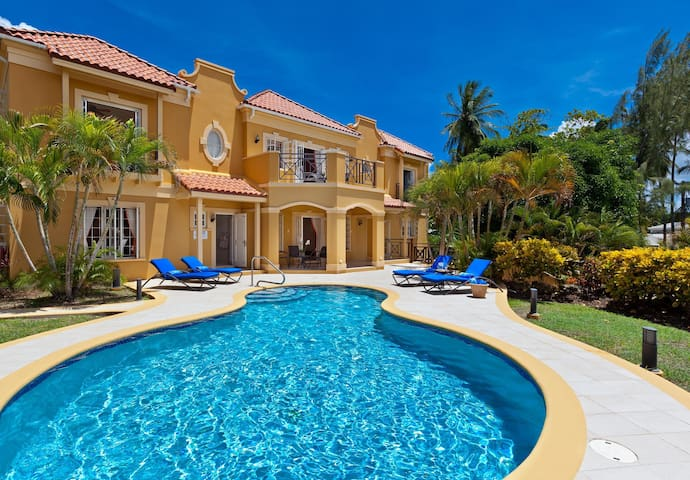 Sundown Villa - Ideal for Couples and Families, Beautiful Pool and Beach - Mullins