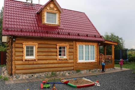 Гостевой дом на озере - Lyubovskoye - 独立屋