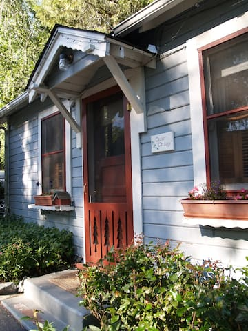 Cedar Cottage @ Piety Hill Cottages Nevada City CA