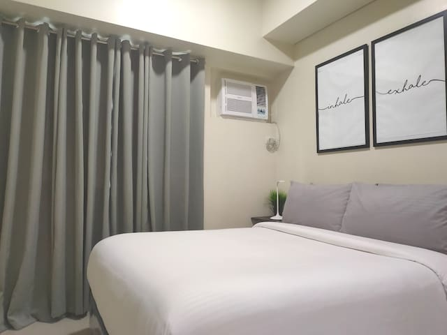 "Hotel bed. 75 Mbps wifi. Netflix on 50"" TV. MAKATI"