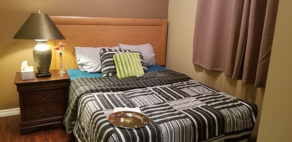 Cozy Private Room,Reagent (New houseTranscona W)