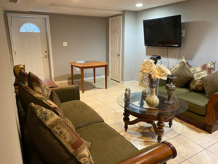 Full basement w/ private bed, bath & kitchen