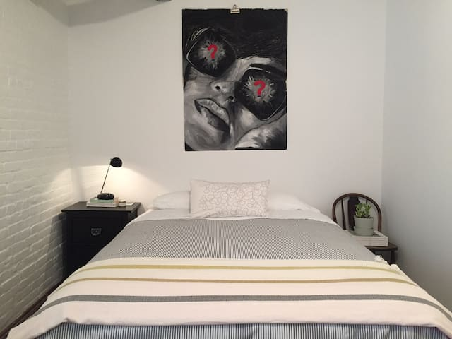 Private bedroom in West Soho/West Village