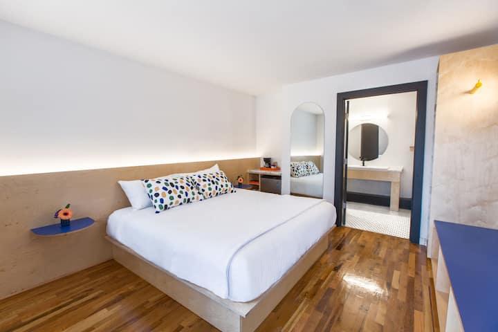 The Amapola Room at the Iris Motel