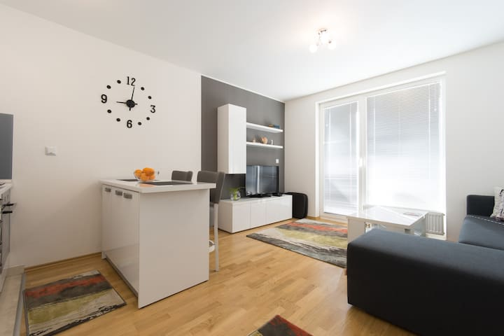 ENTIRE PLACE IN  SARAJEVO- NEW - Saraievo - Apartamento