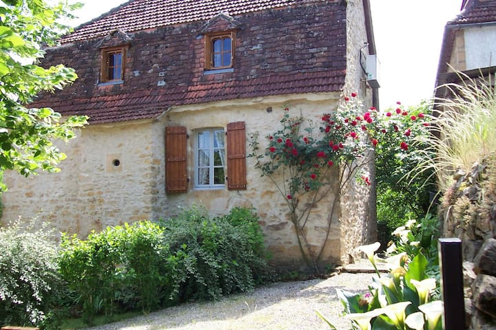 typical house of the Dordogne valley