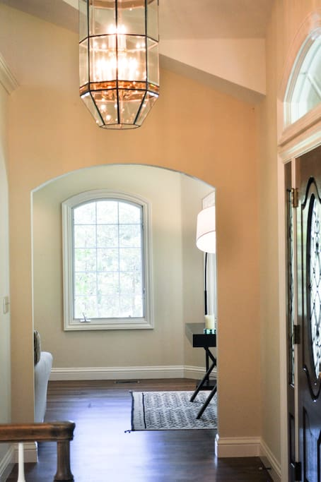 Entry foyer with high ceilings