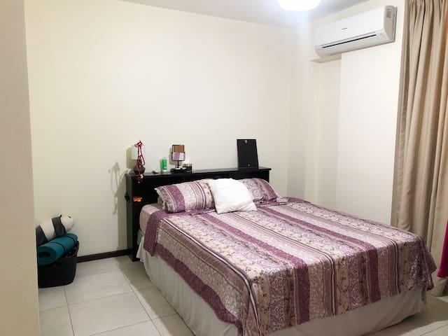 Lovely cozy bedroom in Samborondón