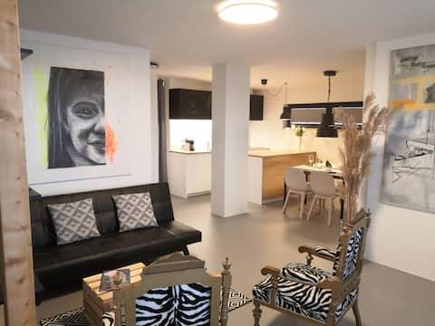 !!!! Novo !!! udoban dizajnerski studio površine 55 m2