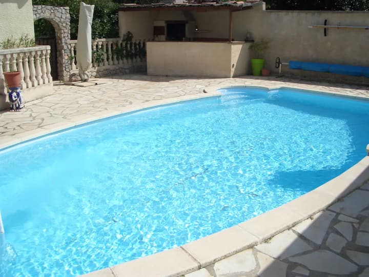 Villa with 3 bedrooms in Poussan, with private pool, enclosed garden and WiFi - 10 km from the beach