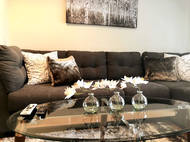 1 bedroom w/large patio in Westwood