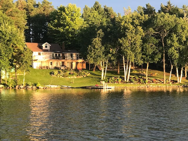 Entire Home - Chemong Lakefront