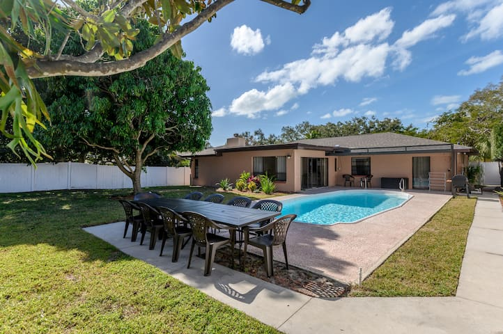 Updated Pool Home in Seminole!