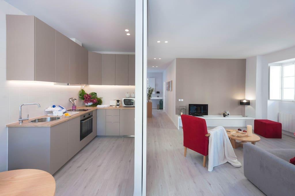 Cozinha separada com parede movel