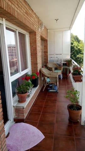 Coqueto apartamento con amplia terraza Castro U.