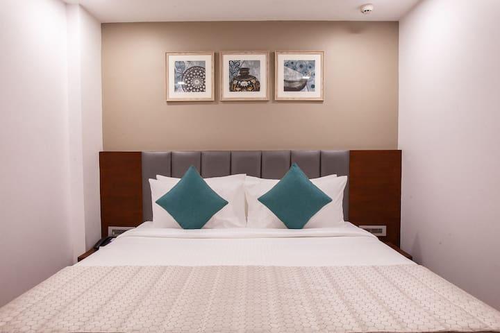 Mango Cozy Hotel Room- Viera, Hyderabad