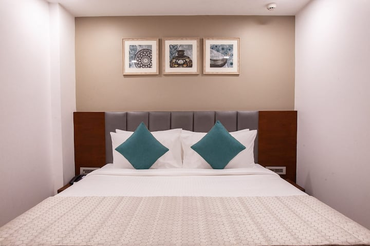 Mango Cozy Hotel Room- Viera, Hyderabad