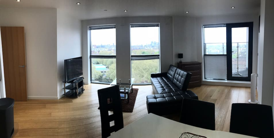 Great Central Zone 1 London 2 Bedroom Apartment