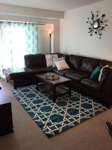 Executive Fully furnished condo - Saskatoon - Wohnung