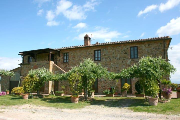 CASA BELLA - Torrita di Siena - บ้าน