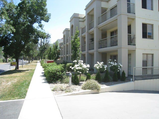 Two bedroom appartment at doorstep of Canberra CBD