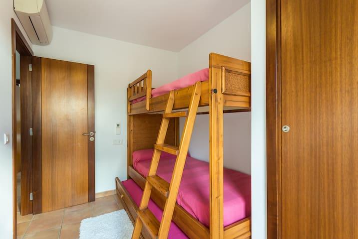 KIDS/TRIPLE BEDROOM, BERTH PLUS UNDERNITH BED, VIEW FROM TERRACE