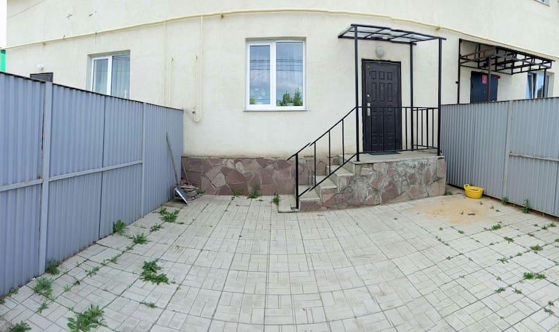 СДАЕТСЯ ТАУНХАУС оз. БАННОЕ - Abzelilovskiy rayon - Kulübe