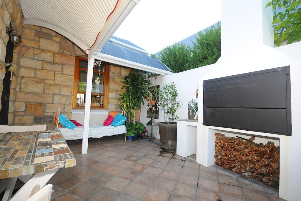 Outdoor braai and patio area