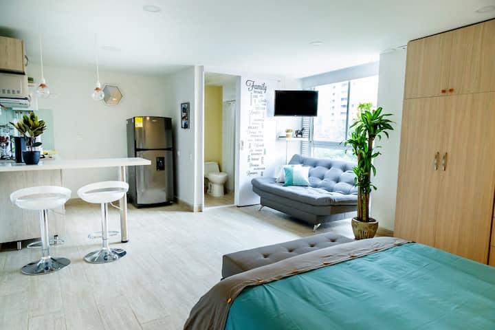 Cozy apartment in Poblado, excellent location!