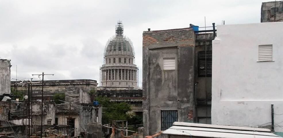 Vistas de la casa desde La Habana Vieja