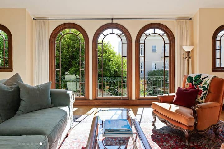 Lovely Noe Valley Condo w/ Light, Views & Parking!