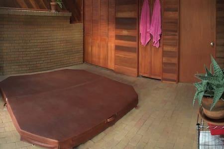 Tranquil Studio Retreat - Española - Квартира