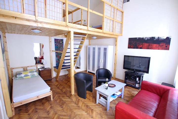 Big, calm and tidy room in the very center - Budapest - Apartamento