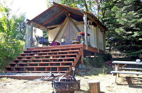 Mountain View Paradise TENT GLAMPING Goats & Wine