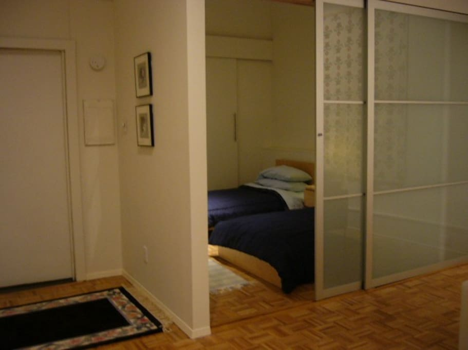 bedroom with 2 twin beds w/ensuite bath